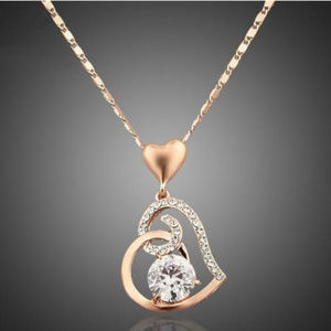 Rose gold plated necklace w/ heart shaped pendant